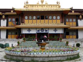 Norbulingkha Palaces