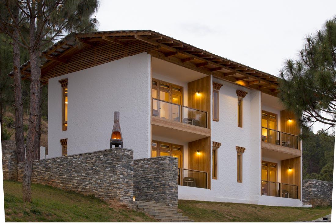 Dhensa boutique resorts windhorse hotels for Boutique getaways