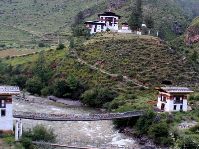 Road from Paro to Thimphu