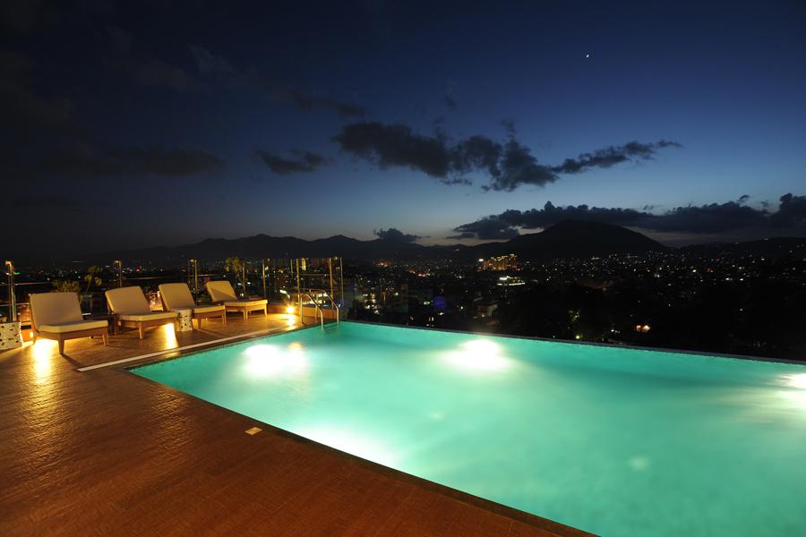 Hotel shambala windhorse hotels for Hotel shambala swimming pool price