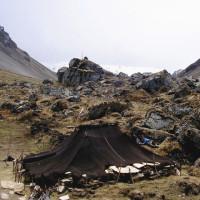nomad-tent -made-of-yak -wool_laya_gasa